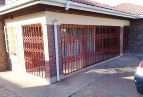 Sliding Doors & Gates